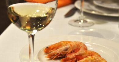 Quel type de vin choisir comme accompagnement aux fruits de mer?